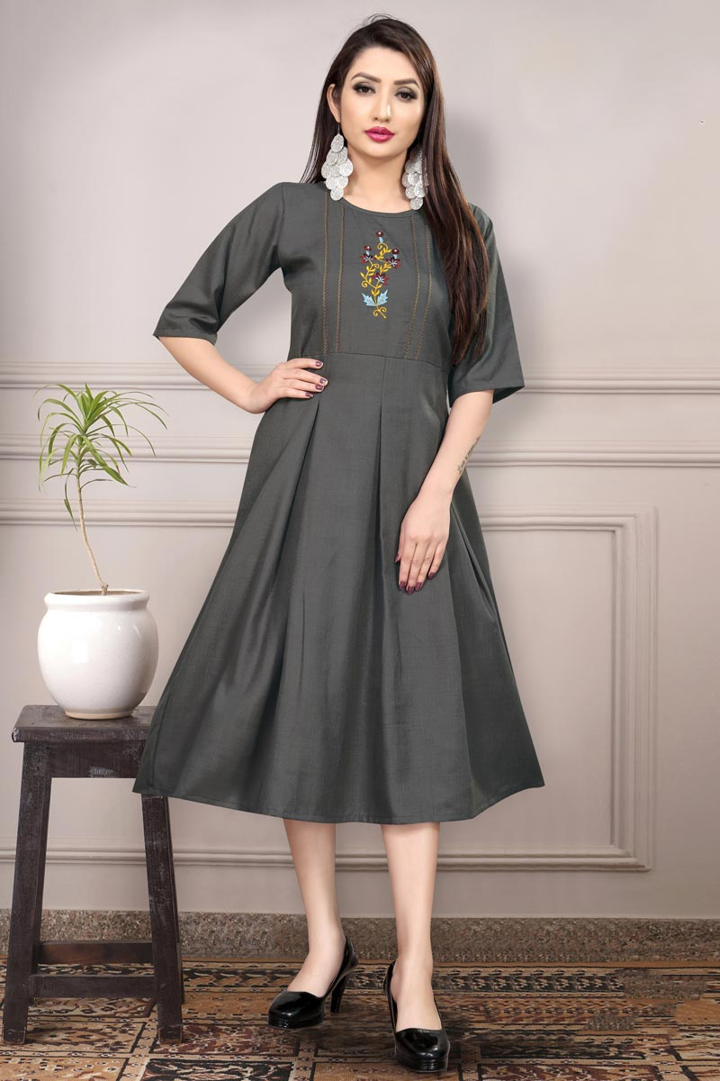Fancy Grey Color Casual Wear Thread Embroidered Kurti In Cotton Fabric