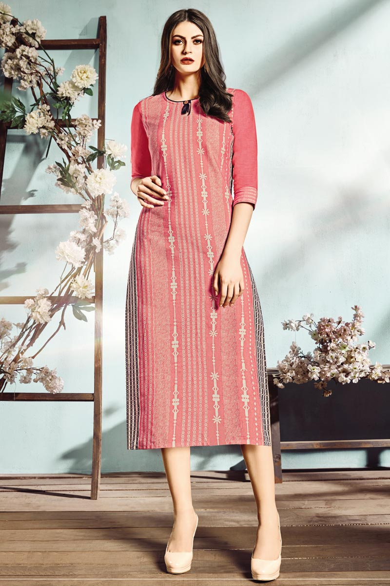 Casual Wear Fancy Cotton Fabric Digital Printed Kurti In Pink Color