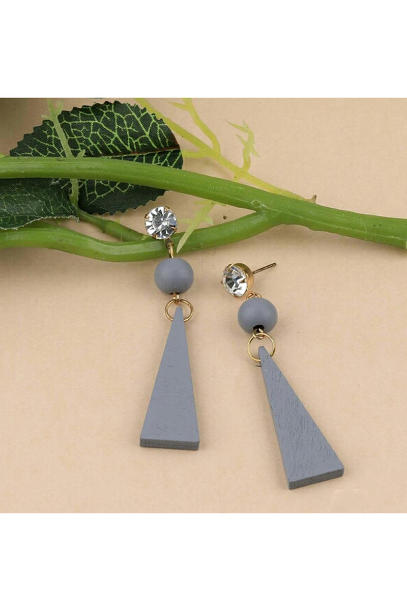 Designer Party Wear Earrings In Grey Color