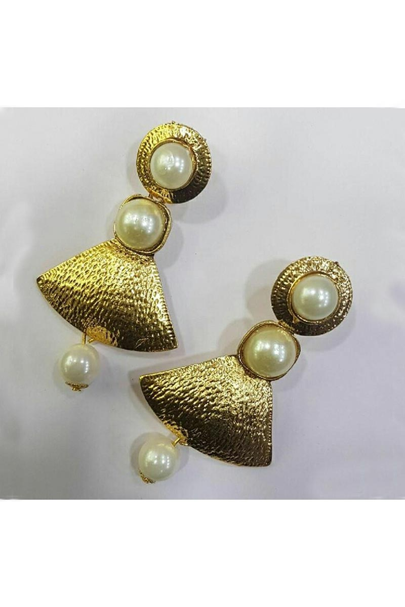 Graceful Designer Golden Color Party Style Earrings